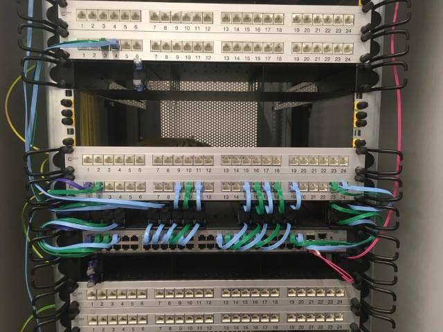 Serverschränke mit dem richtigen Kabelmangement-System 3